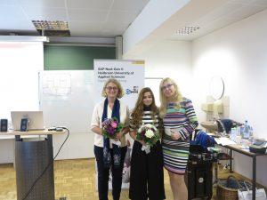 Frau Katrin Redmann (links),Frau Aysun Aray (Mitte) von SAP Next-Gen Lab; Frau Prof. Dr. Sonja Salmen(rechts)